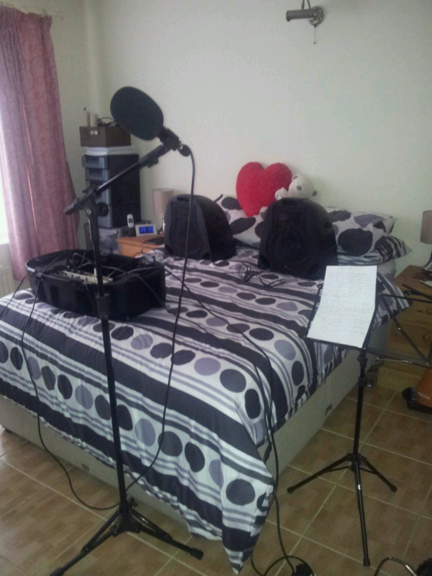Awesome One Mans Bedroom Is Another Mans Recording Studio Mark Download Free Architecture Designs Aeocymadebymaigaardcom